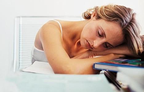Ако се чувствате постоянно уморени и наред с това имате и други допълнителни оплаквания, желателно е да отидете на лекар. Ако умората ви е съпътствана от: Болки в гърлото: предполага […]